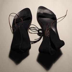cydwoq black leather ankle-wrap sandal size 39